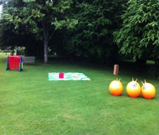 giant garden games to hire for weddings ~ hire these popular lawn games to from the wedding entertainment experts All about fun uk