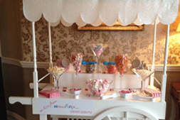 candy buffets are popular hire choices for many Gloucestershire weddings.  Popcorn and candy floss is also a must have wedding sweet treat.
