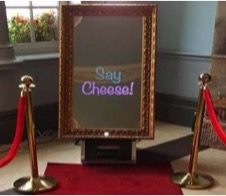 magic selfie mirror hire | hire the selfie mirror for your Gloucestershire wedding day
